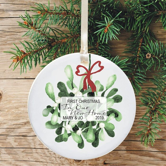 First Christmas In Our New Home 2019.First Christmas In Our New Home Keepsake Ceramic Xmas Tree Decoration Mistletoe And Bow Design